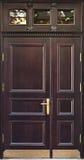 Παλαιά ξύλινη πόρτα στην παλαιά Ρήγα Στοκ Εικόνα