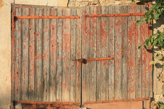 Παλαιά ξύλινη πόρτα χωρών Στοκ Εικόνες