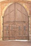 Παλαιά ξύλινη πύλη κάστρων Στοκ Εικόνες