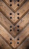 Παλαιά ξύλινη σύσταση πορτών με τα καρφιά μετάλλων Στοκ Εικόνα