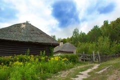 Παλαιά ουκρανική καλύβα σε Pirogovo (Kyiv) Στοκ Εικόνες