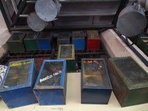 Παλαιά δοχεία κροτίδων Στοκ Φωτογραφίες