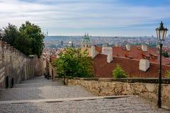 Παλαιά οδός στο Κάστρο της Πράγας, Mala Strana, Πράγα, Δημοκρατία της Τσεχίας Στοκ Εικόνα