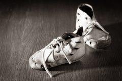 Παλαιά παπούτσια μωρών Στοκ Φωτογραφία