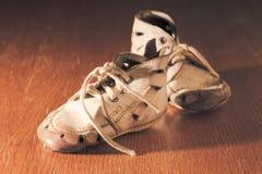 παλαιά παπούτσια μωρών Στοκ φωτογραφία με δικαίωμα ελεύθερης χρήσης