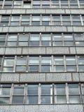 Παλαιά παράθυρα γραφείων Στοκ φωτογραφία με δικαίωμα ελεύθερης χρήσης
