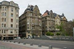 Παλαιά παραδοσιακή αρχιτεκτονική με τα σύγχρονα στοιχεία στη Βουδαπέστη HU Στοκ Εικόνες