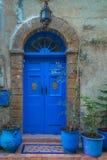 Παλαιά παραδοσιακή πόρτα στη μαροκινή πόλη Essaoira Στοκ Εικόνες