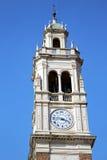 Παλαιά περίληψη arsizio Busto στην Ιταλία ο τοίχος και η εκκλησία Στοκ Εικόνες