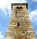 παλαιά περίληψη borghi στην Ιταλία ο τοίχος και η εκκλησία towe Στοκ φωτογραφία με δικαίωμα ελεύθερης χρήσης