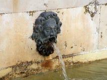 Παλαιά πηγή νερού Στοκ εικόνες με δικαίωμα ελεύθερης χρήσης