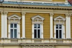 Παλαιά πρόσοψη οικοδόμησης στο τετράγωνο ένωσης Στοκ φωτογραφία με δικαίωμα ελεύθερης χρήσης
