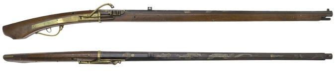 Παλαιά πυροβόλα όπλα τουφεκιών σε ένα άσπρο υπόβαθρο Στοκ Εικόνες