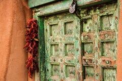 Παλαιά πόρτα στη Σάντα Φε Στοκ Εικόνες