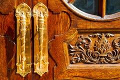 παλαιά πόρτα του Λονδίνου στην Αγγλία στοκ φωτογραφία