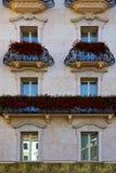 Παλαιά πόλη Λουγκάνο πεζουλιών τοίχων και λουλουδιών Στοκ Φωτογραφίες