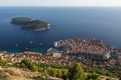 Παλαιά πόλη του νησιού Dubrovnik και Lokrum άνωθεν Στοκ φωτογραφίες με δικαίωμα ελεύθερης χρήσης