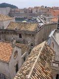 Παλαιά πόλη Dubrovnik Κροατία, καλά κρατημένα μεσαιωνικά κτήρια πετρών Στοκ Εικόνες
