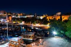 Παλαιά πόλη Kaleici σε Antalya, Τουρκία τη νύχτα Στοκ εικόνα με δικαίωμα ελεύθερης χρήσης