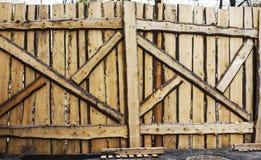 Ξύλινη πύλη Στοκ εικόνες με δικαίωμα ελεύθερης χρήσης