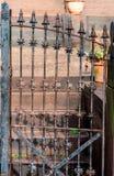 Παλαιά πύλη σιδήρου στη βροχή Στοκ φωτογραφίες με δικαίωμα ελεύθερης χρήσης