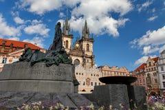 Παλαιά πλατεία της πόλης, καθεδρικός ναός Tyn, Hus μνημείο του Ιαν. - Πράγα στοκ φωτογραφίες με δικαίωμα ελεύθερης χρήσης