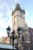 Παλαιά πλατεία της πόλης με το αστρονομικό ρολόι στην Πράγα Στοκ Φωτογραφία