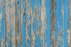 Παλαιά ράφια πορτών σιταποθηκών με την αποφλοίωση χρωμάτων Στοκ εικόνα με δικαίωμα ελεύθερης χρήσης