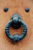 Παλαιά ρόπτρα σιδήρου Στοκ Εικόνες