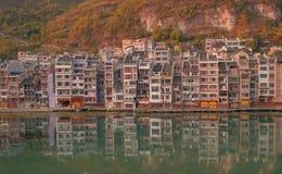 Παλαιά σκηνή 15 πόλης ηλιοβασιλέματος Zhenyuan Στοκ εικόνα με δικαίωμα ελεύθερης χρήσης