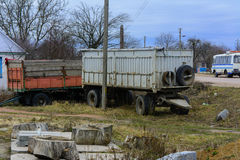 Παλαιά σκουριασμένα ρυμουλκά φορτηγών που εγκαταλείπονται Στοκ φωτογραφίες με δικαίωμα ελεύθερης χρήσης