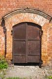 Παλαιά σκουριασμένη πύλη σιδήρου Στοκ εικόνες με δικαίωμα ελεύθερης χρήσης