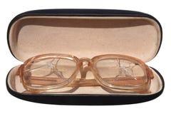 Παλαιά σπασμένα γυαλιά σε μια περίπτωση Στοκ εικόνες με δικαίωμα ελεύθερης χρήσης