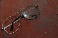 Παλαιά σπασμένα γυαλιά Στοκ φωτογραφία με δικαίωμα ελεύθερης χρήσης