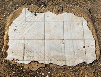 Παλαιά σπασμένα κεραμίδια στοκ φωτογραφίες