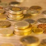Παλαιά συσσωρευμένα νομίσματα Στοκ Φωτογραφίες