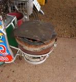 Παλαιά σόμπα ξυλάνθρακα στοκ φωτογραφίες