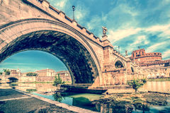 Παλαιά φωτογραφία με την άποψη πέρα από τη γέφυρα Castel ST Angelo Στοκ Φωτογραφίες