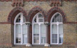 Παλαιά Windows οικοδόμησης Στοκ Εικόνα