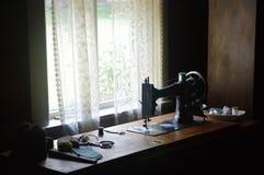 Παλαιές έννοιες ράβοντας μηχανών και ραψίματος Στοκ φωτογραφίες με δικαίωμα ελεύθερης χρήσης
