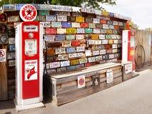 Παλαιές αμερικανικές πινακίδες αριθμού κυκλοφορίας αυτοκινήτων Στοκ Εικόνες