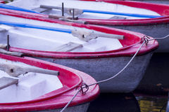 Παλαιές βάρκες στην αποβάθρα στοκ φωτογραφία