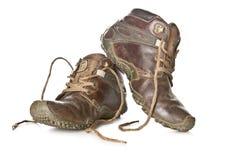 Παλαιές και βρώμικες στρατιωτικές μπότες που απομονώνονται στο άσπρο υπόβαθρο Στοκ φωτογραφίες με δικαίωμα ελεύθερης χρήσης