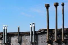 Παλαιές καπνοδόχοι μετάλλων Στοκ Φωτογραφία