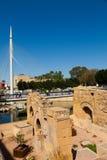 Παλαιές καταστροφές και γέφυρα για πεζούς το Malecon θλμuρθηα Στοκ Φωτογραφία