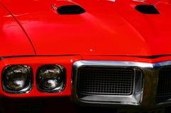 Παλαιές κλασικές κόκκινες λεπτομέρειες κολπίσκων αυτοκινήτων Στοκ φωτογραφία με δικαίωμα ελεύθερης χρήσης