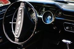 Παλαιές κλασικές μαύρες λεπτομέρειες κολπίσκων αυτοκινήτων Στοκ φωτογραφία με δικαίωμα ελεύθερης χρήσης