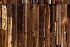 Παλαιές μακρινές δυτικές ξύλινες συστάσεις Καλιφόρνιας Στοκ Φωτογραφία