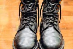 Παλαιές μαύρες μπότες Στοκ φωτογραφίες με δικαίωμα ελεύθερης χρήσης