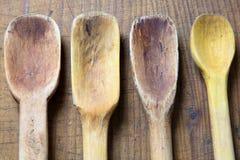 Παλαιές ξύλινες κουτάλες Στοκ εικόνα με δικαίωμα ελεύθερης χρήσης